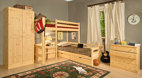 Красивая детская мебель из массива
