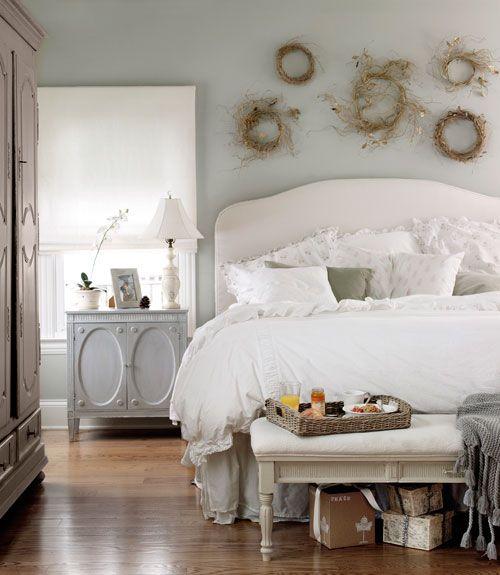 Красивая мебель для спальни в стиле прованс