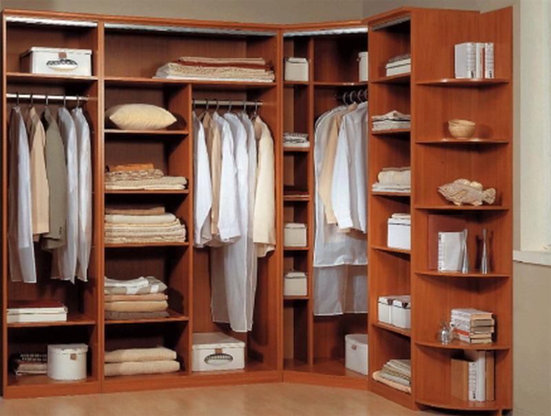 Красивая угловая гардеробная комната
