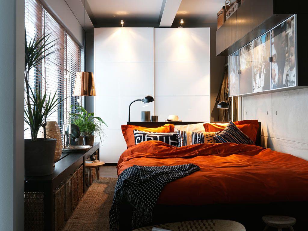 Красивое круговое расположение мебели в спальне