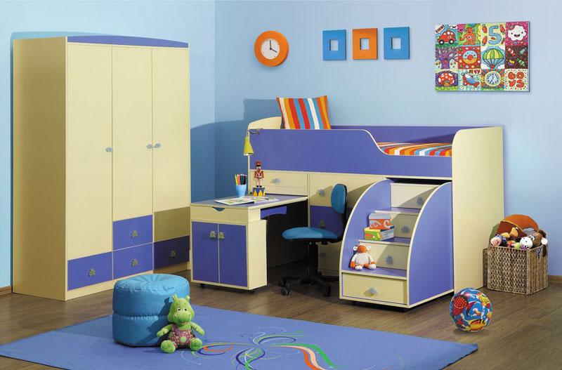 Красивый набор детской мебели