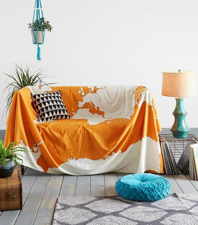 Легкая ситцевая накидка-чехол на диван яркой оранжевой расцветки