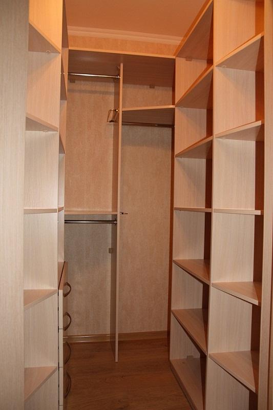 Мебель для небольшого гардероба