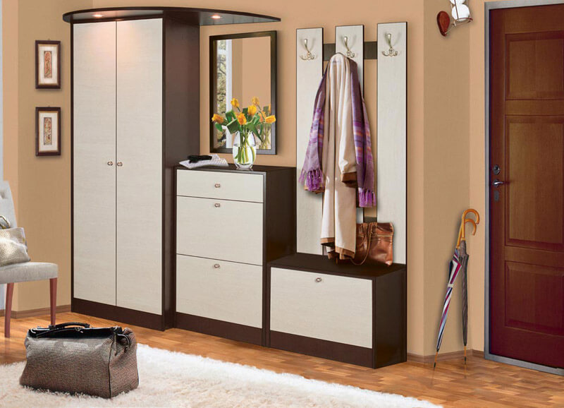 Мебель для небольшого узкого коридора