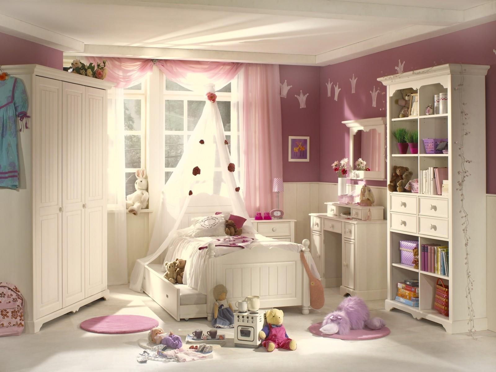 Мебель для новорожденной девочки