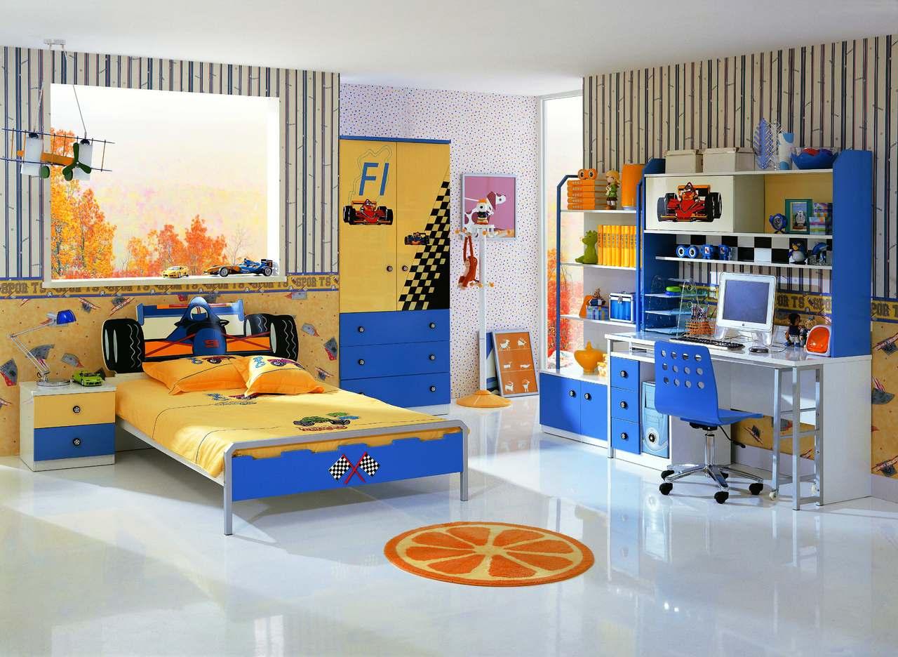 Мебель для обустройства большой комнаты для мальчика