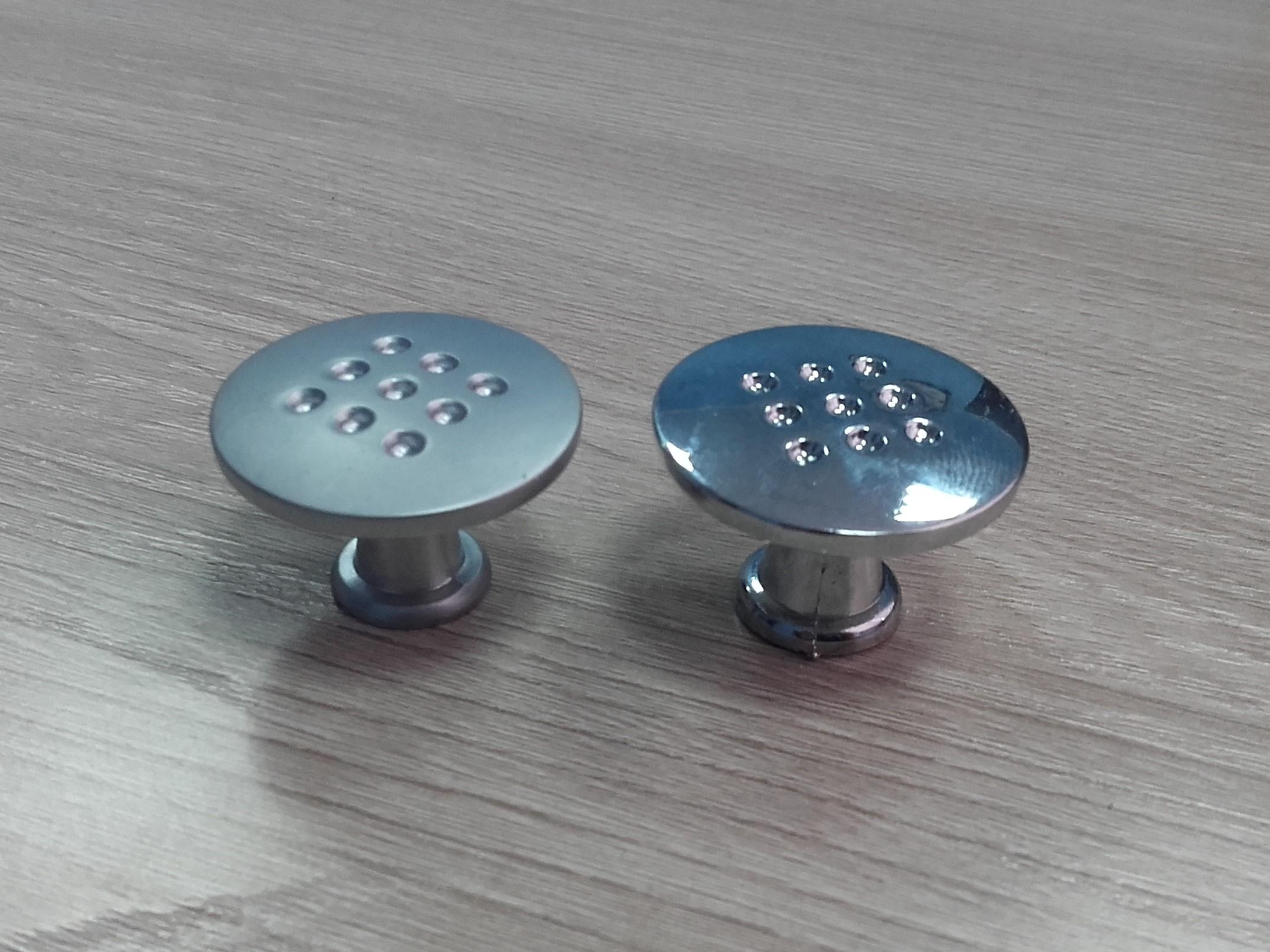 Мебельная ручка кнопка