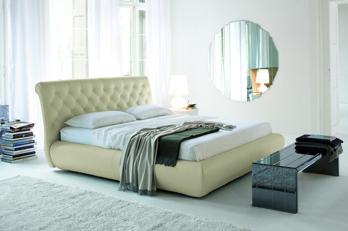 Мягкая кровать для спальни