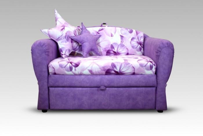 Мягкий раскладной диван нежной расцветки с изысканным дизайном