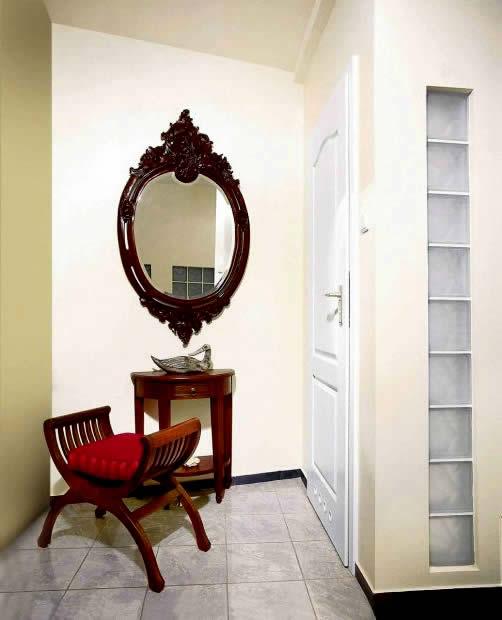 Небольшая комната в приятных оттенках