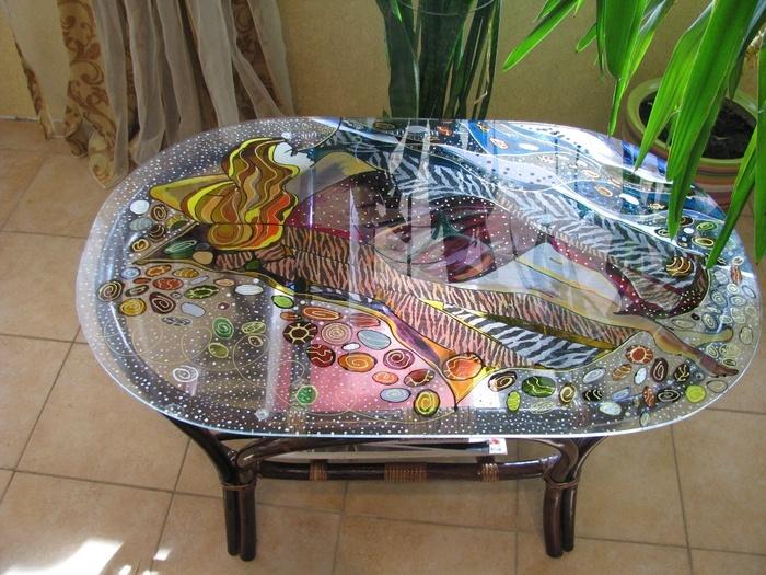Необычное оформление столика