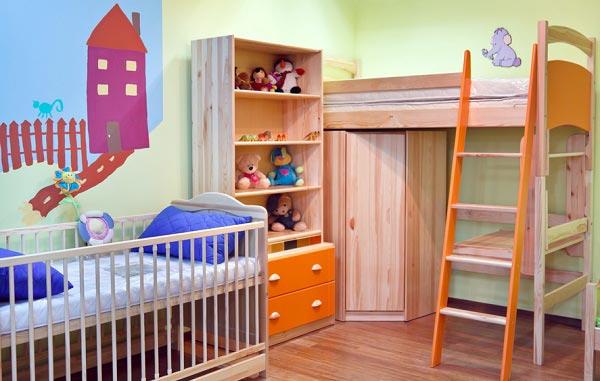 Общая комната для двоих детей с большой разницей в возрасте