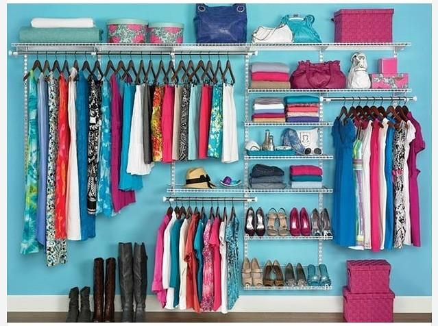 Организация небольшой гардеробной комнаты