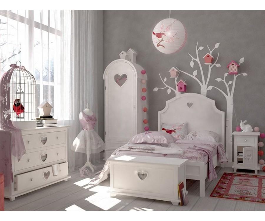 Оригинальная белая мебель для детской комнаты