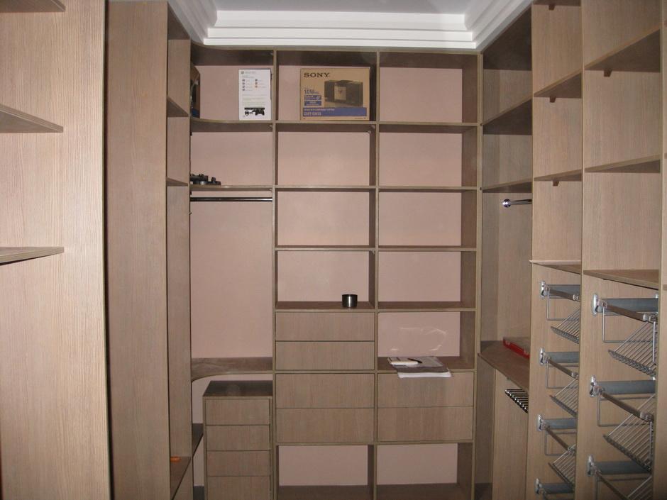 Особенности гардеробной комнаты 4 кв м