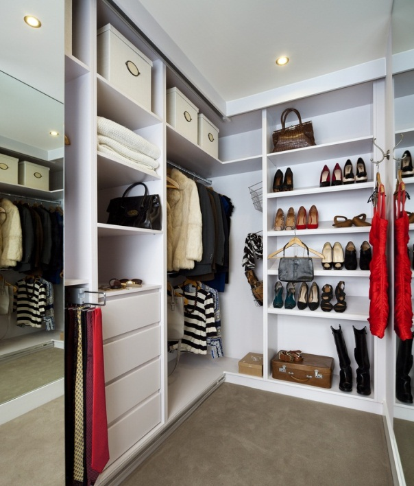 Особенности создания маленькой гардеробной комнаты