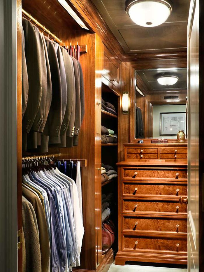 Освещение в гардеробной в кладовке