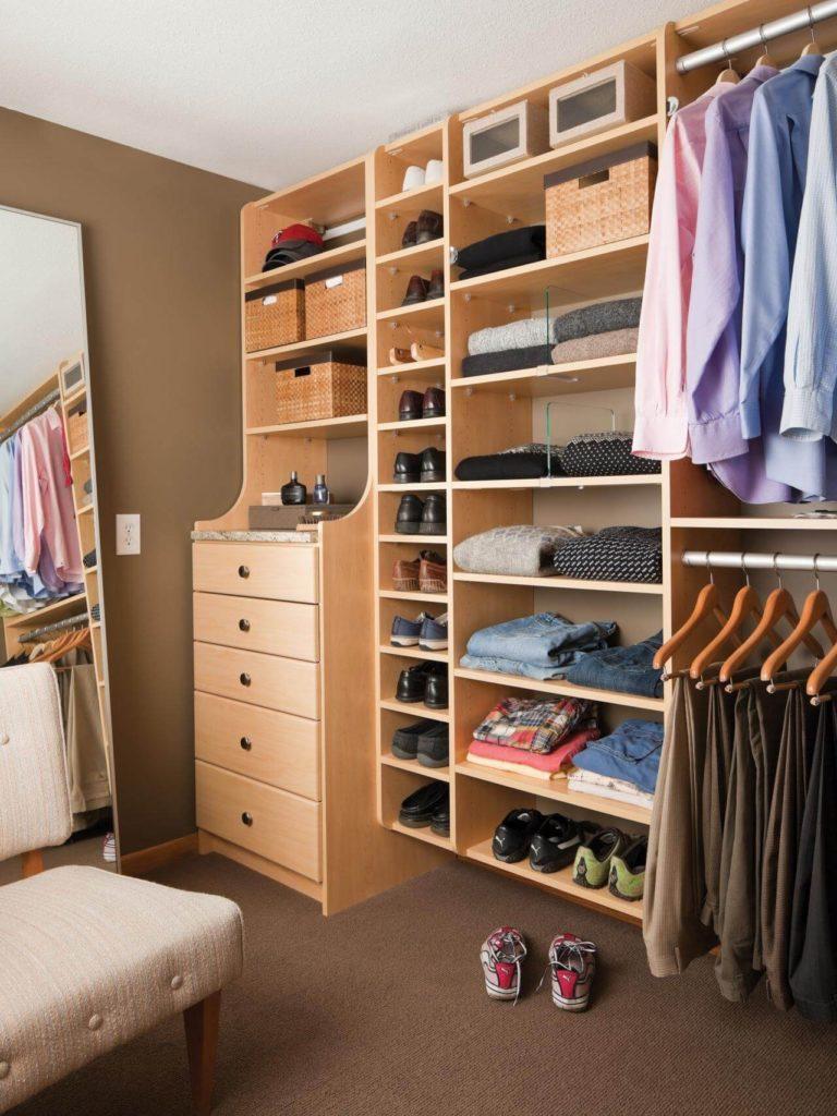 Стеллажи для гардеробной, обзор моделей и их характеристики.