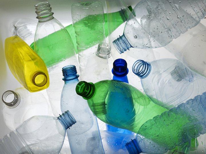 Пластиковые бутылки для мебели