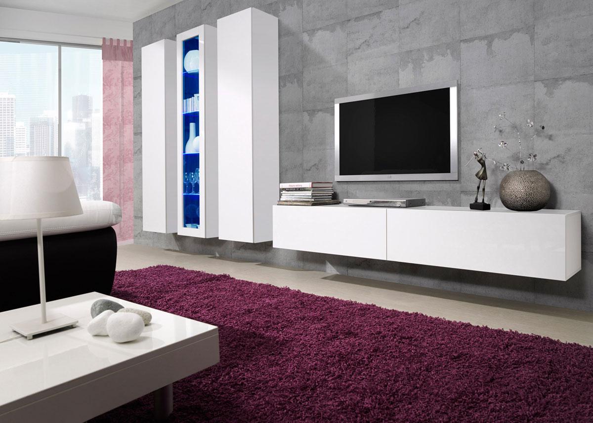 Практичная и современная мебель для гостиной с глянцевой поверхностью
