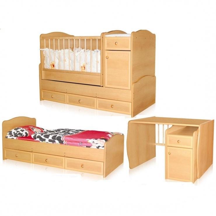Практичная мебель в комнате