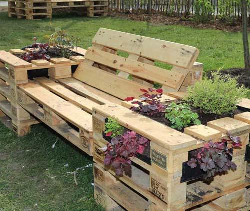 Практичная садовая мебель из поддонов