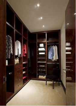 Практичное наполнение гардеробной комнаты 4 кв м