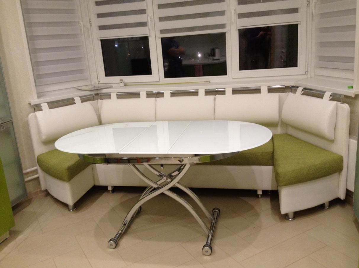Практичные диваны с секциями для кухни