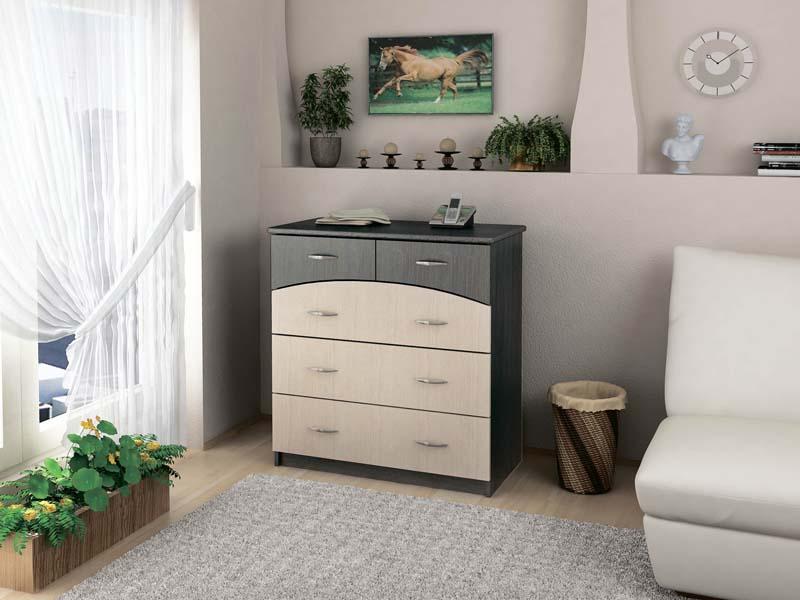 Практичный комод в спальне