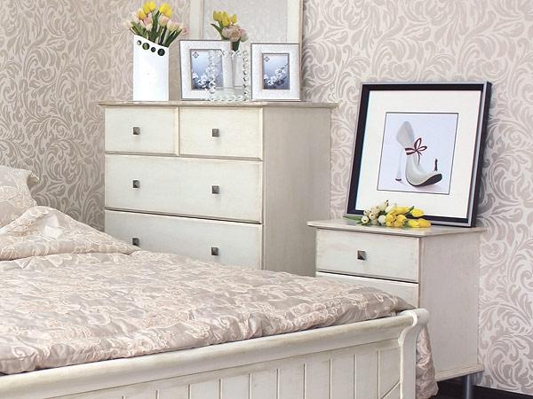 Практичный комод в спальню