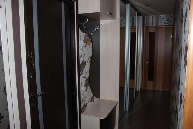 Правильно выбираем мебель в узкий коридор
