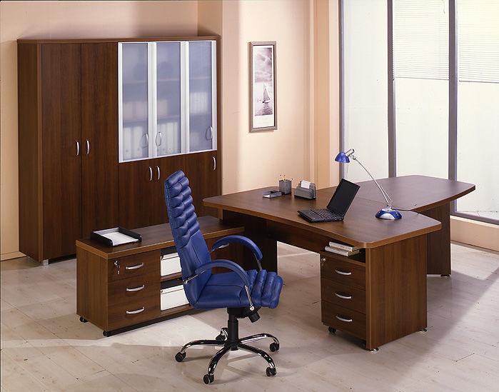 Правильное расположение мебели на рабочем месте