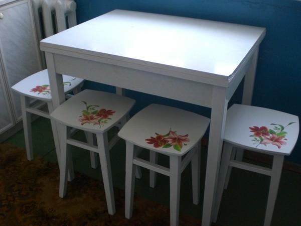 Пример декупажа мебели