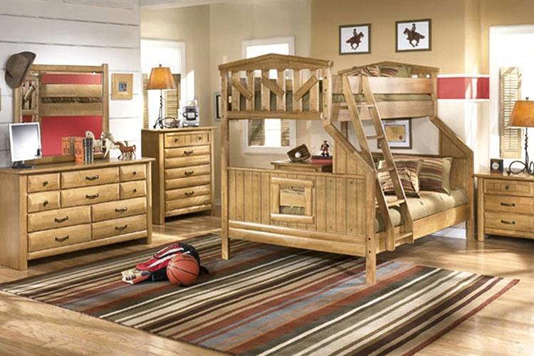 Привлекательная детская из деревянного массива