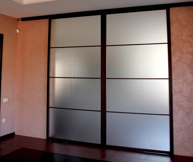 Раздвижные двери купе для гардероба