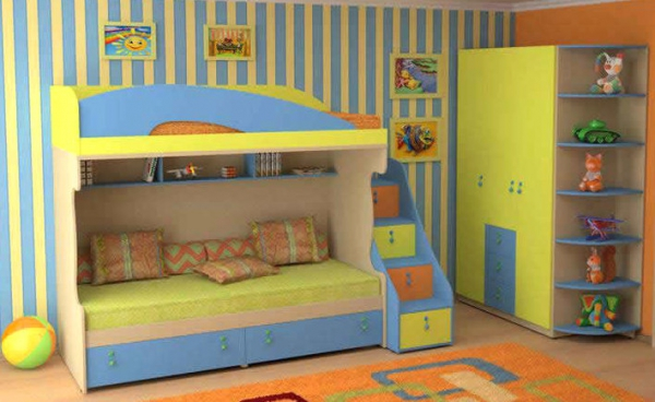 Разноцветный набор детской мебели