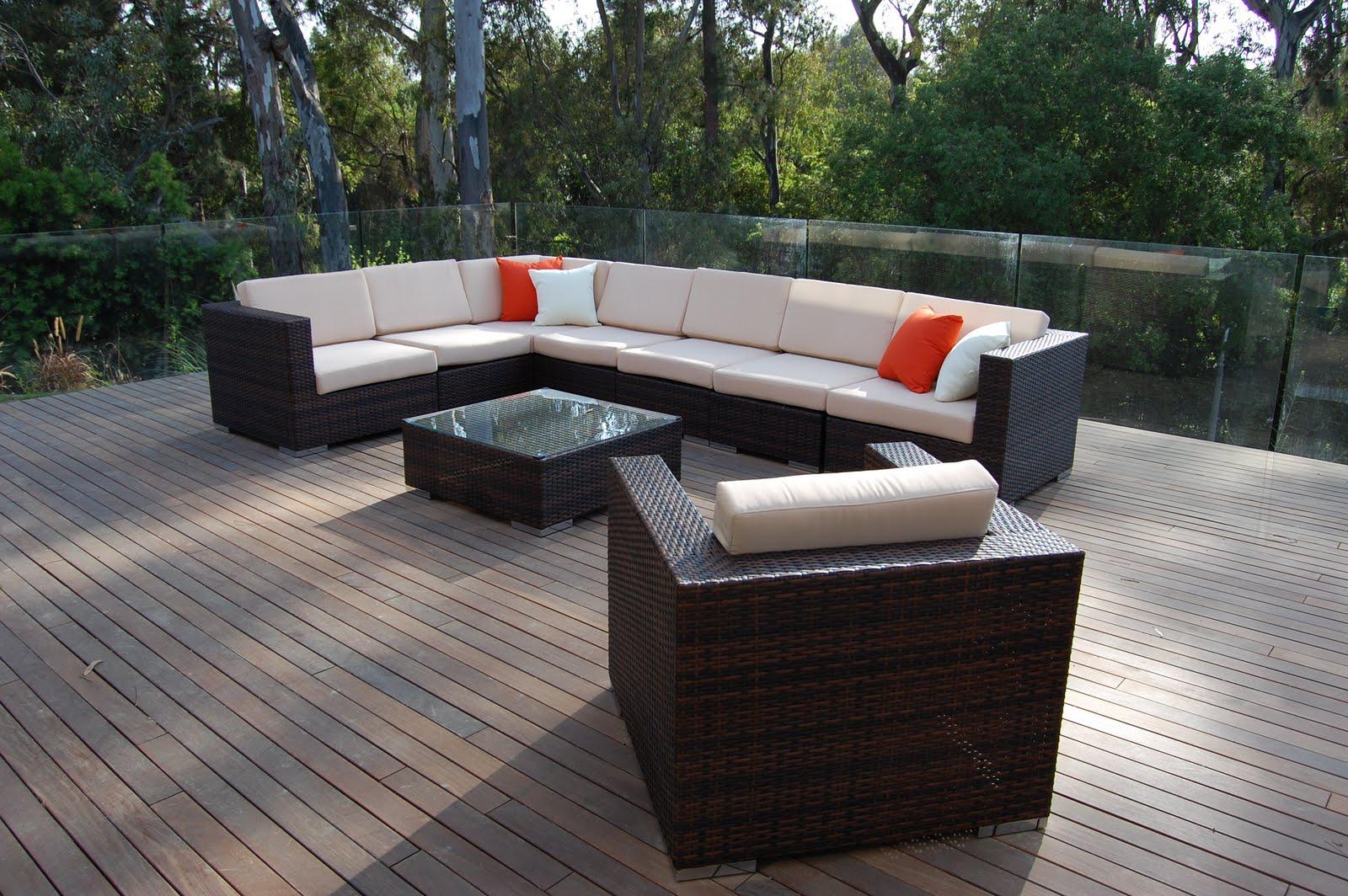 Ротанговая мебель темного цвета