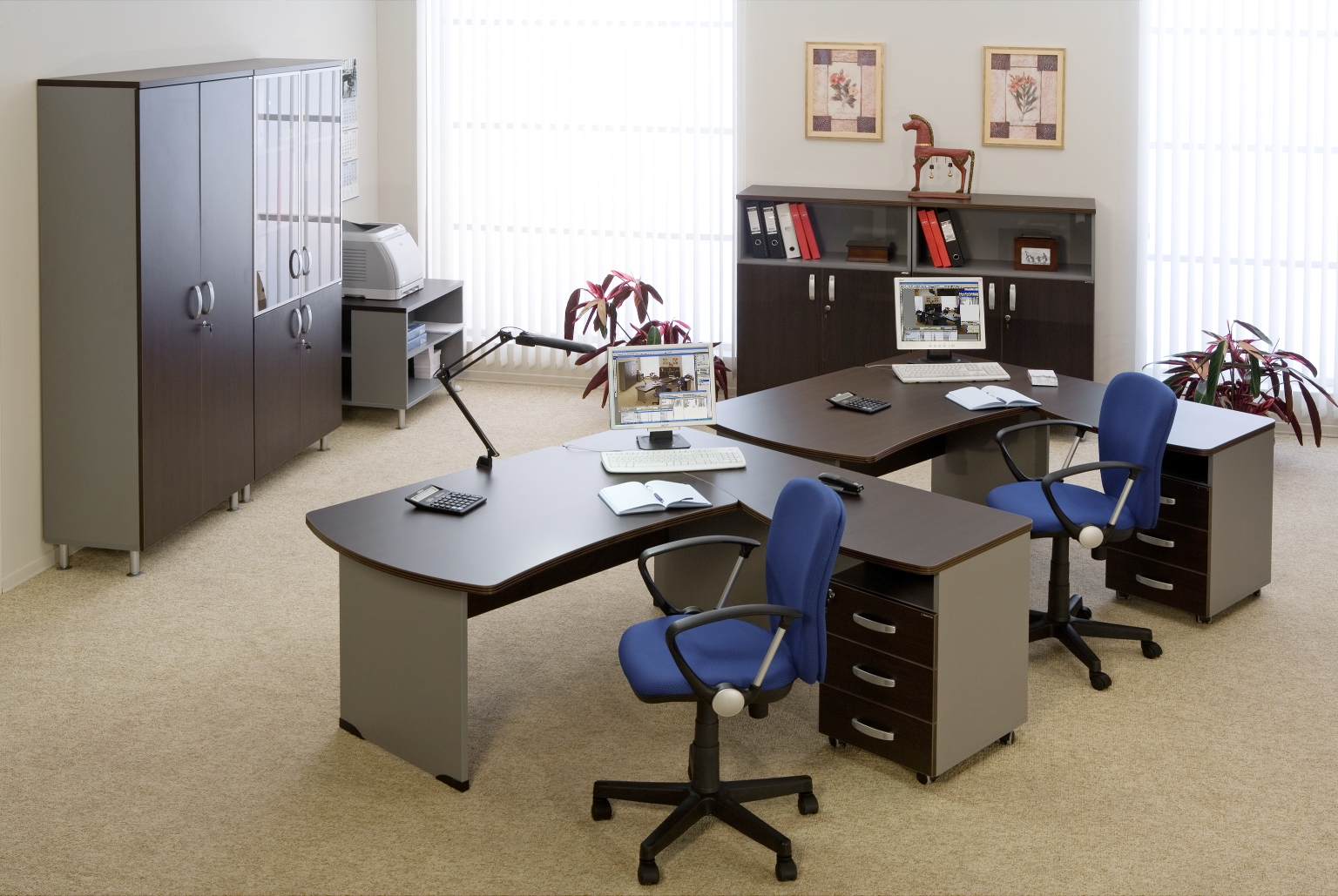 Серая мебель для персонала