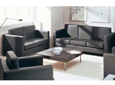 Серая современная мягкая мебель в офис