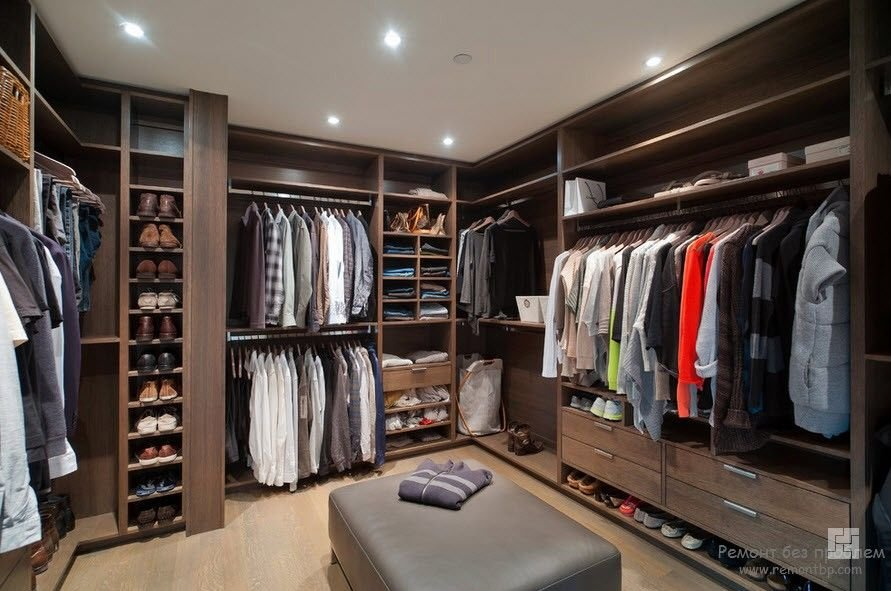 Современная отделка гардеробной комнаты