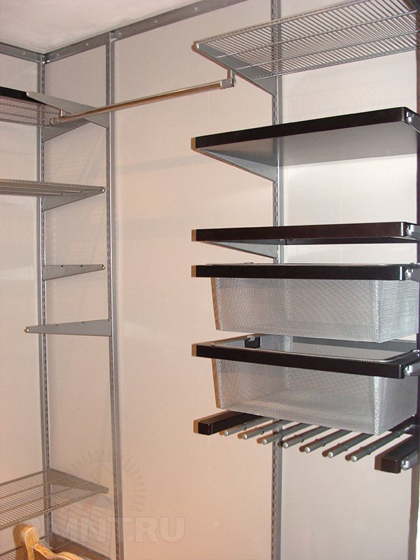Современная сетчатая гардеробная комната