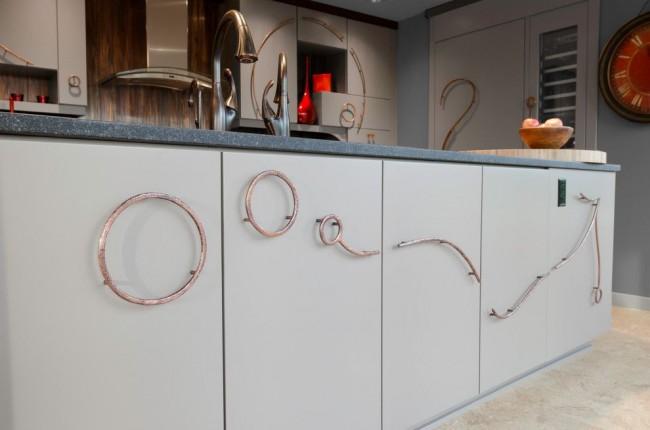 Современные кольца ручки на кухне