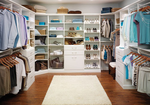 Создаем гардеробное помещение