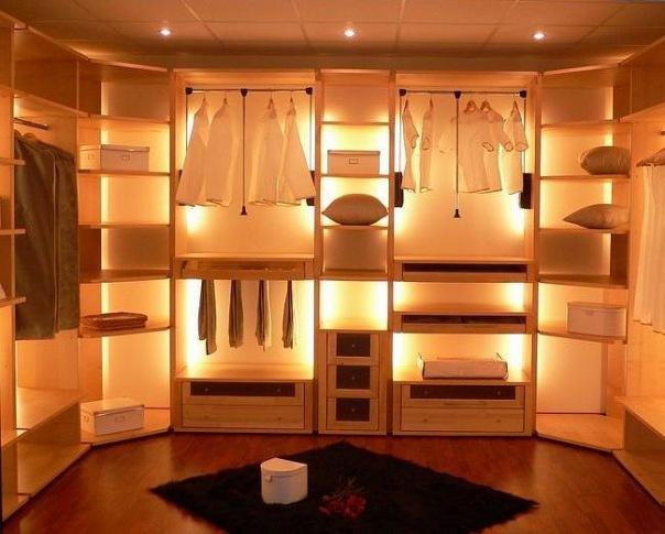 Создаем освещение в гардеробной