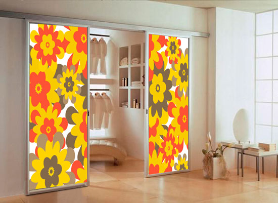 Стеклянные и зеркальные раздвижные двери