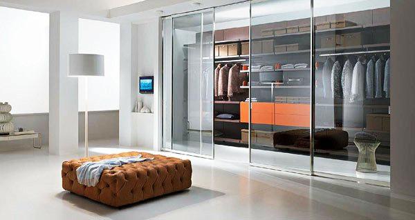 Стеклянные раздвижные двери для гардеробной