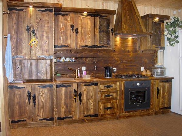 Стильная деревянная мебель для кухни