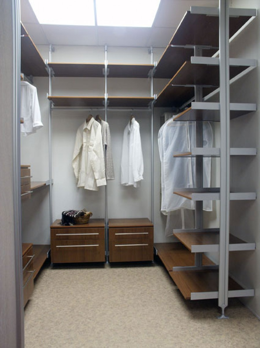 Стильная отделка гардероба в кладовке