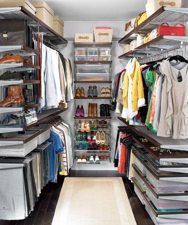 Стильное гардеробное помещение