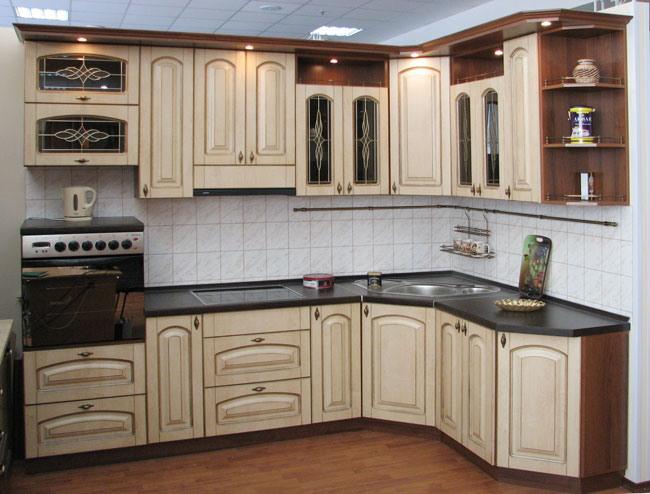 Стильный фасад кухонной мебели